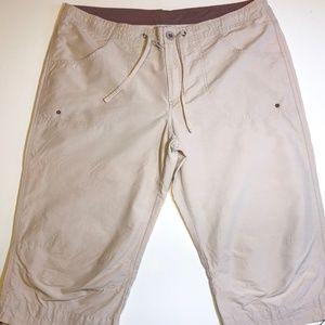 Columbia Capri Khaki Pants